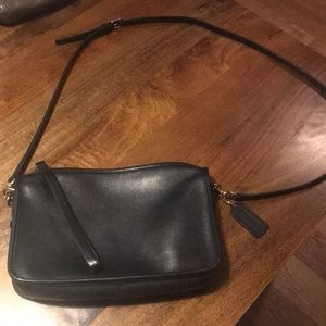 Coach classic black leather envelope crossbody bag